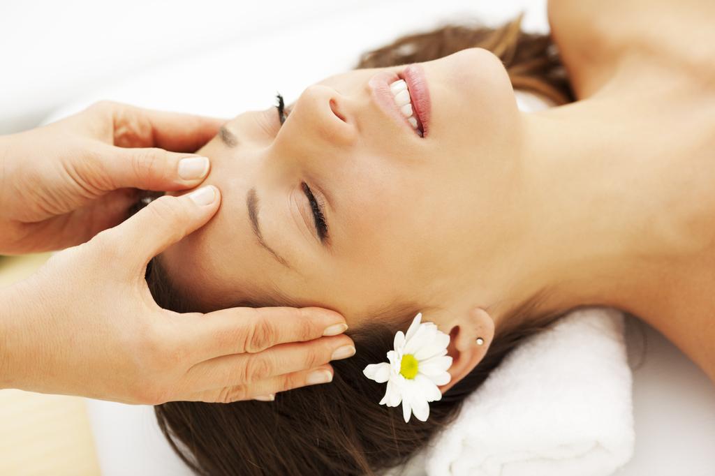 massage mặt đúng cách