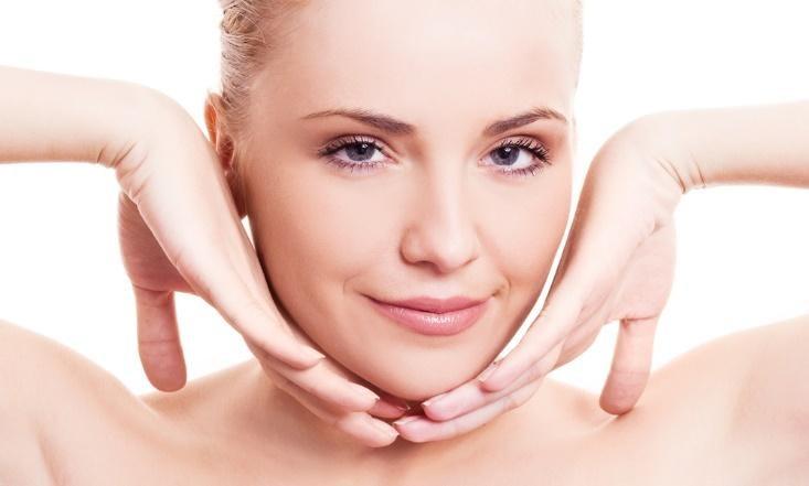 Massage mặt giảm béo giúp mặt thon gọn hơn