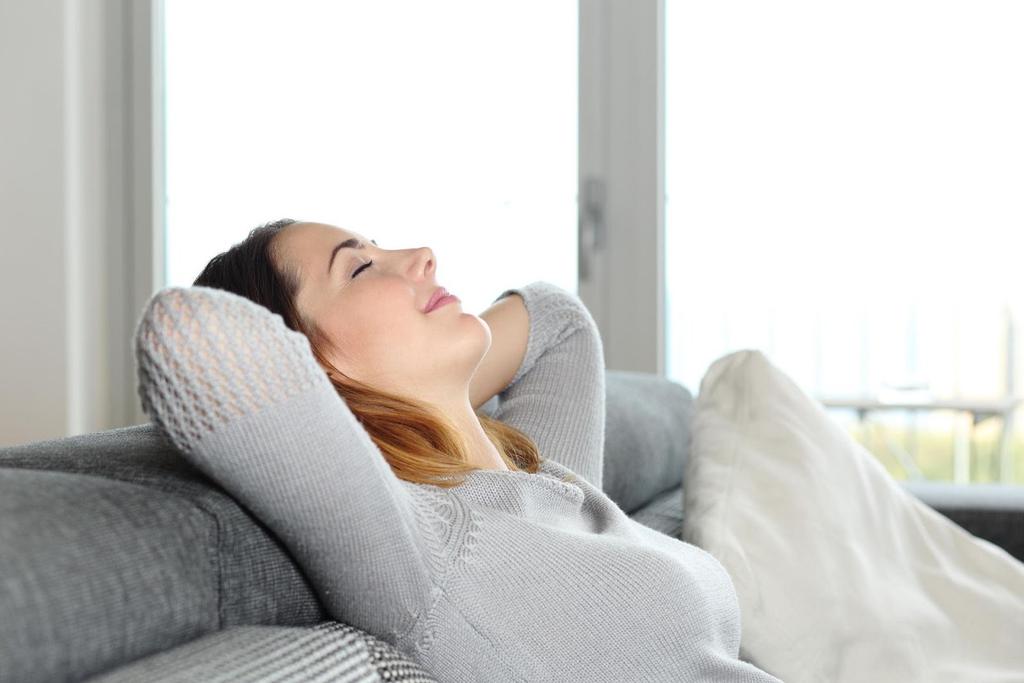 Thư giãn là một trong những cách chăm sóc da mặt bị nám hiệu quả