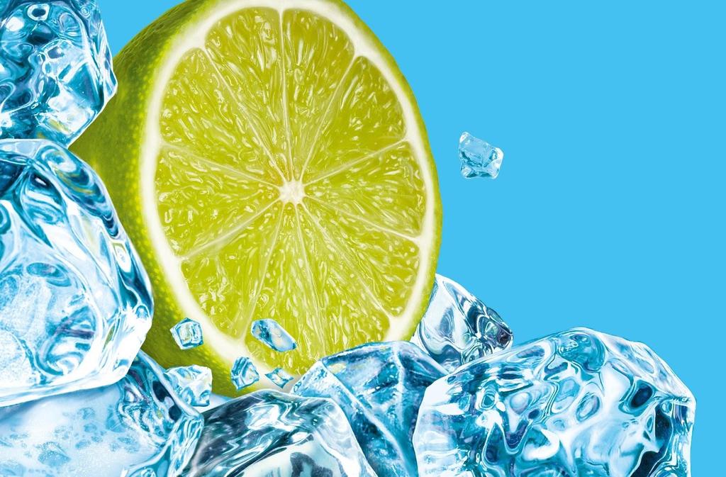 Massage mặt bằng đá lạnh và nước cốt chanh giúp trắng da