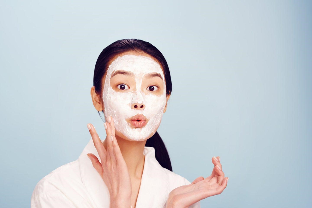 Sử dụng mặt nạ chăm sóc da mùa đông